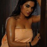 kavya-singh-hot-photos_1491376942210