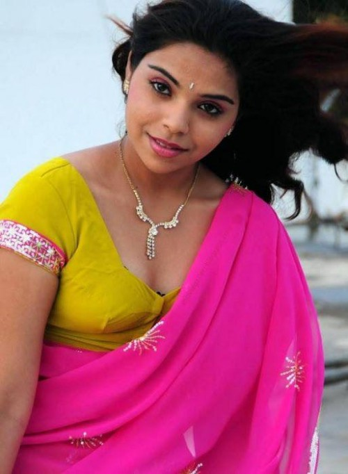telugu-actress-hot-pics_149318663590.jpg