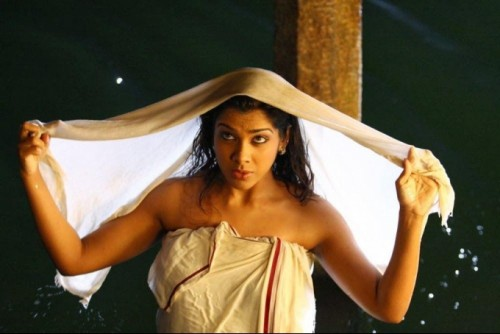 indian-actress-hot-in-towel_151806833022.jpg